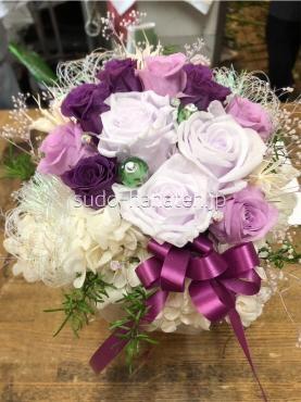 紫のバラがメインのプリザーブドフラワーで還暦のお祝い用